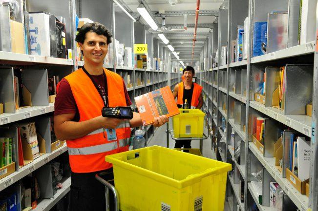 Logistik wo jemand den langen Weg laufen muss um ein Päckchen oder ein Buch zu holen, wird es nicht mehr lange geben.
