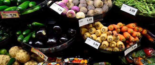 Wer sich Zeit sparen möchte geht heute nicht mehr in den Supermarkt sondern macht Online Shopping